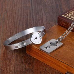 Jewelry - Stainless Steel Heart Lock Bracelet Key Set